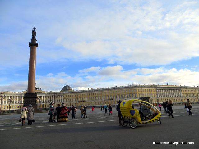 25 на Дворцовой можно покататься на рикше