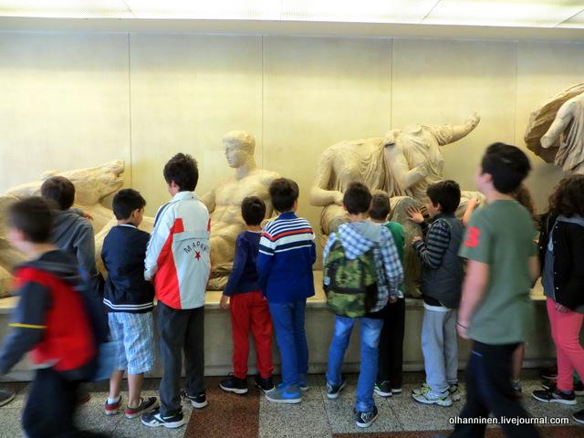 Метро Акрополь дети