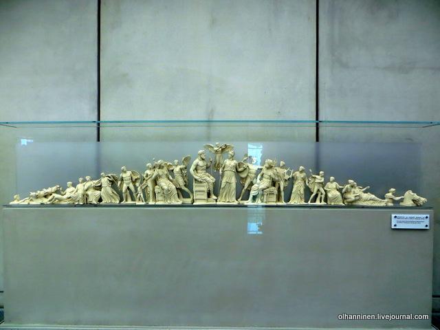 Новый музей Акрополя. Реконструкция фронтона Парфенона