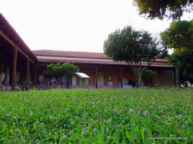 10 Афины Керамикос трава