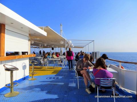 кафе на кораблике по Эгейскому морю