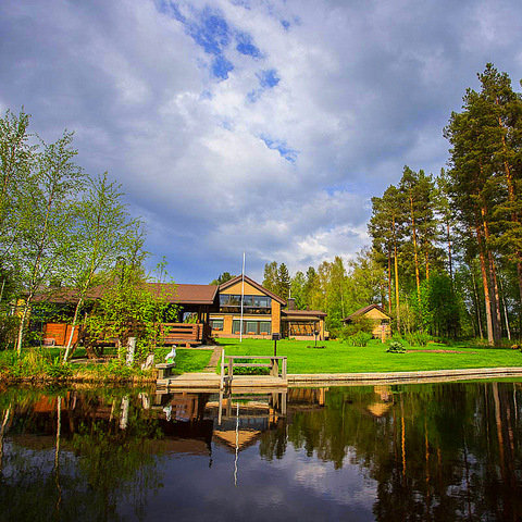 14 озеро и дом