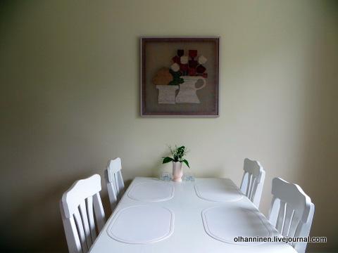 05 ландыши на столе в кухне