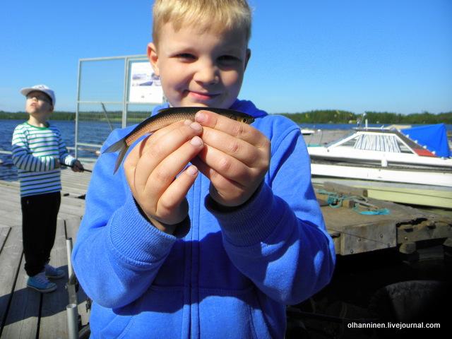 03 мальчик с рыбкой