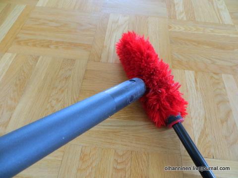 05 метелку очищаем пылесосом