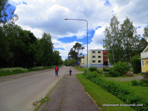 09 по городским районам ребенок на пешеходной дорожке