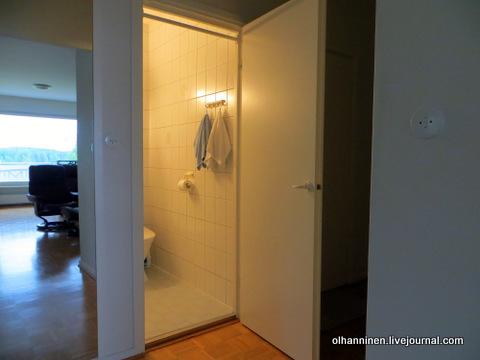 03 турник в туалете