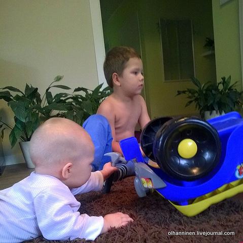 сейчас починим братцу машину