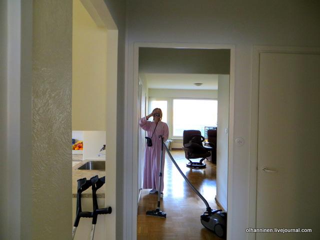01 пылесосим гостиную