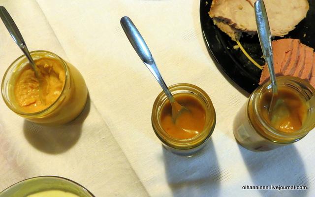 Mausteet несколько видов горчицы и соусов
