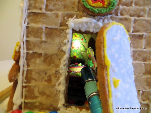 15 внутри домика маленький фонарик