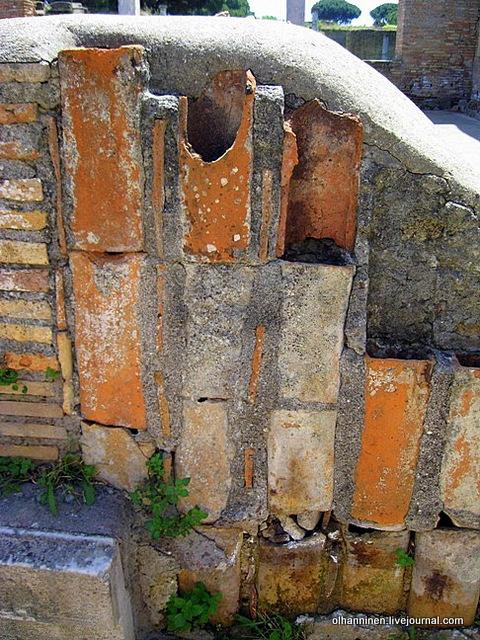 19 Глиняные трубы для обогрева помещений. Часть системы гипокауста, печи для обогрева за пределами здания