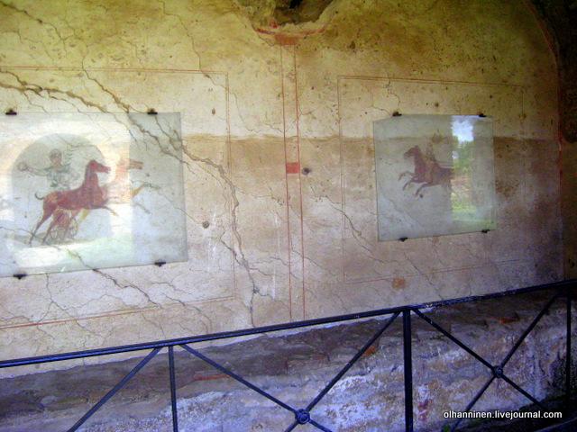 28 настенные фрески