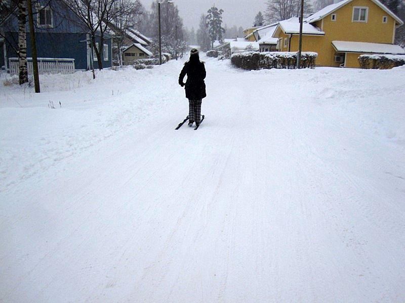 Но и в Финляндии финские санки - вещь в обиходе нынче не часто встречающаяся