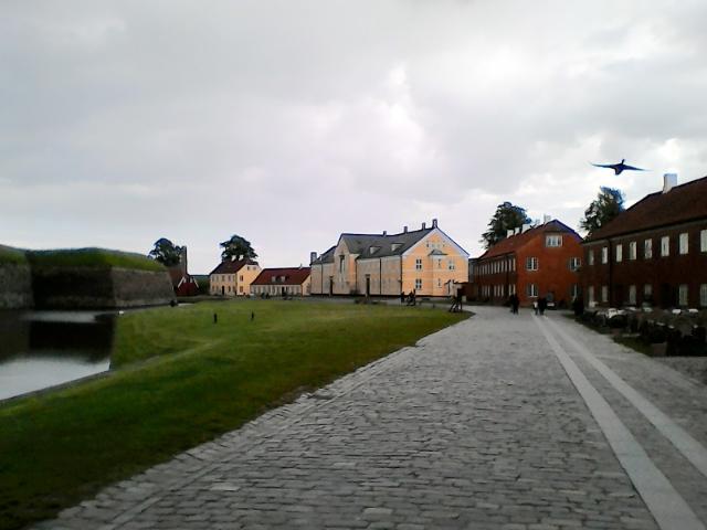Казармы и помещения внутри внешних стен замка