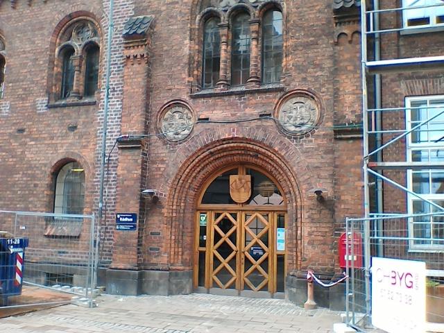 Ремонт в ратуше, Хельсингер