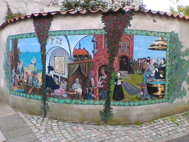 Фрески на заборе Хельсингер