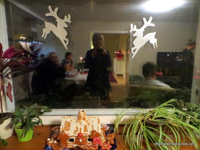 04 мой пряничный домик на окне.JPG