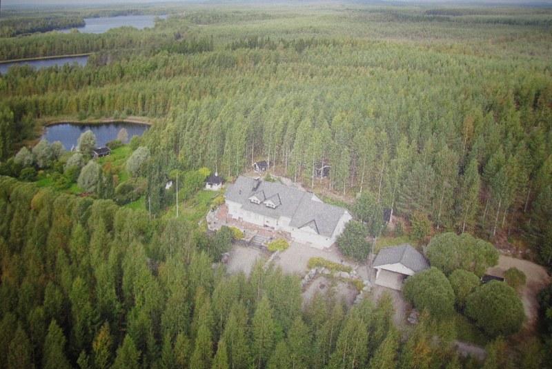 Вот так этот участок в 10 км от железнодорожного вокзала Pieksämäki выглядит с вертолета летом