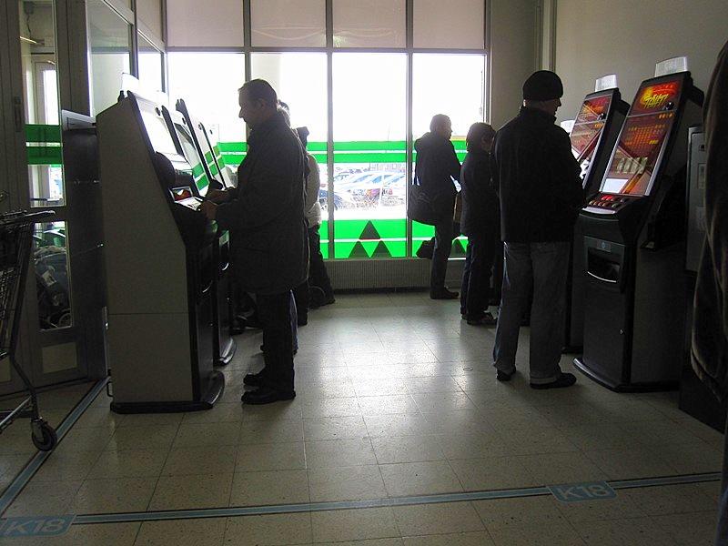Как играть в игровые автоматы в финляндии gazgaming игровые автоматы