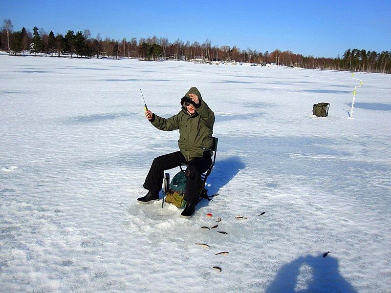 на зимней рыбалке в Варкаусе