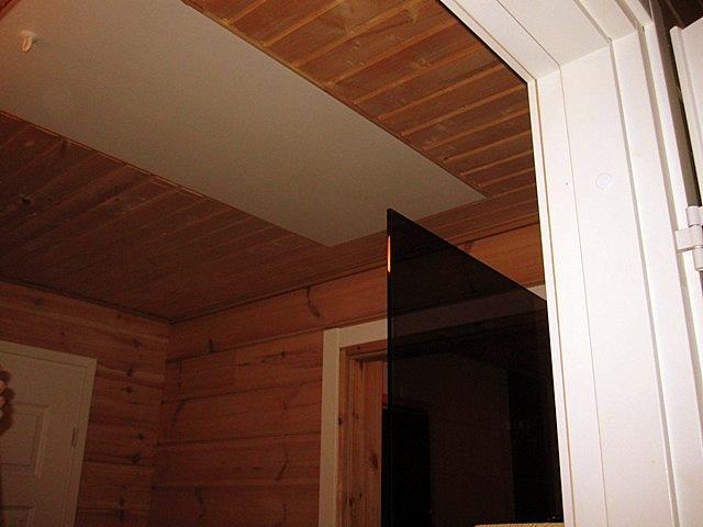 Что это за странная дверка в потолке коттеджа Сольвйг