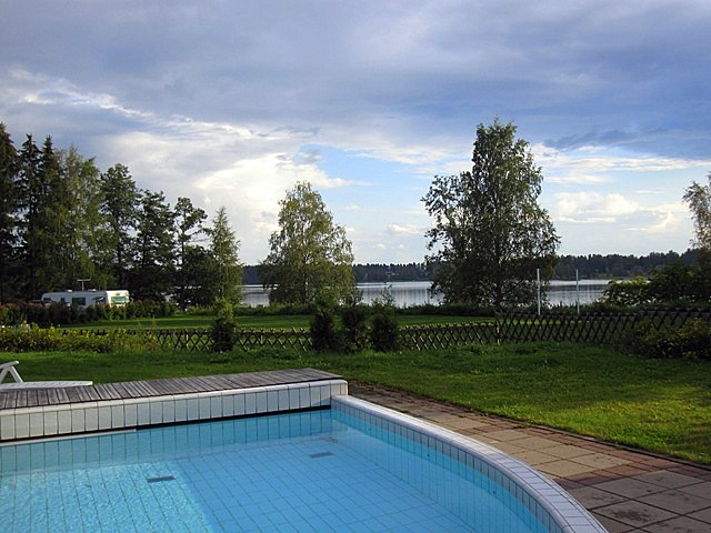 Комплекс спа расположен на берегу озера