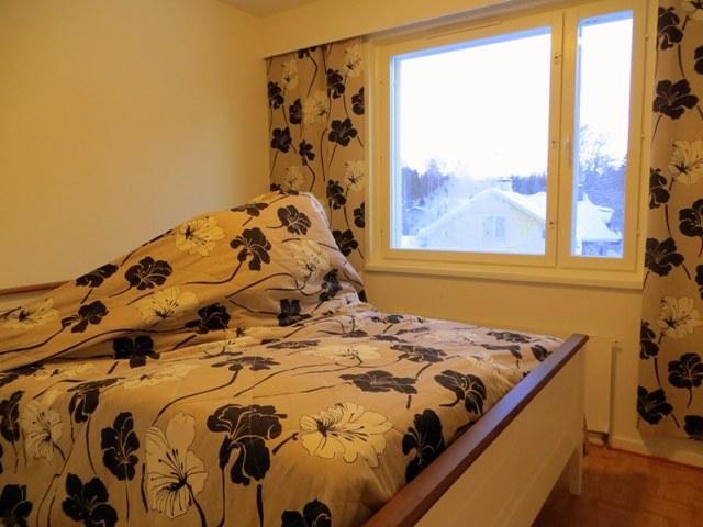 кровать верх низ под покрывалом