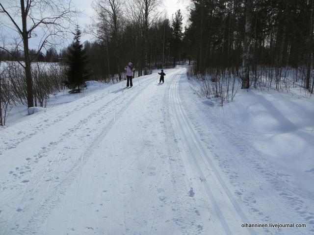 18-а еще интересно не по лыжне, а коньковым ходом