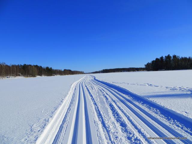 14-проложенная по озеру лыжня