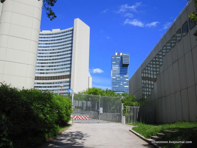 закрытый двор в квартале ООН