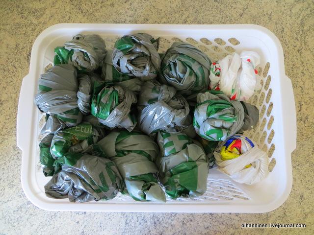 7-складываем пакетики комочками в пластиковую коробочку