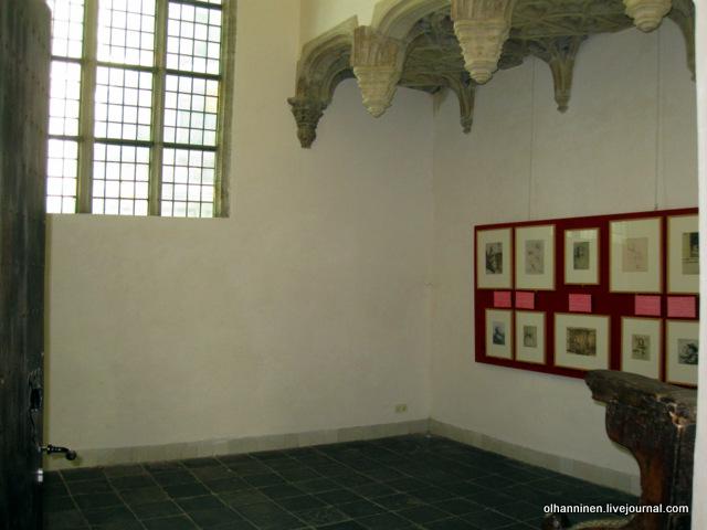 окно капеллы и фотографии  набросков Рембрандта