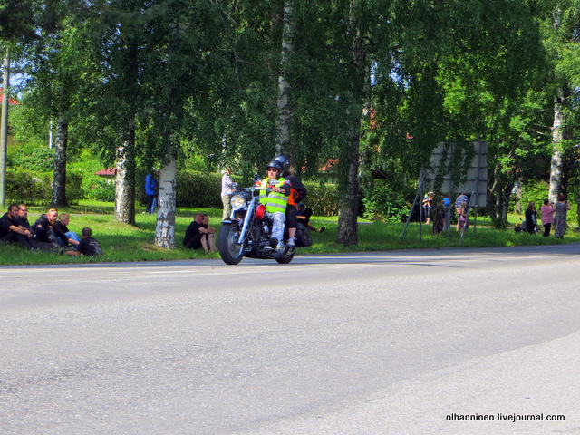 30 парад 13.07.2013 Harley Davidson в Varkaus на углу улицы Savontie