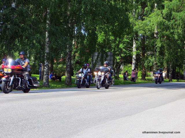 31 парад 13.07.2013 Harley Davidson в Varkaus на углу улицы Savontie 2