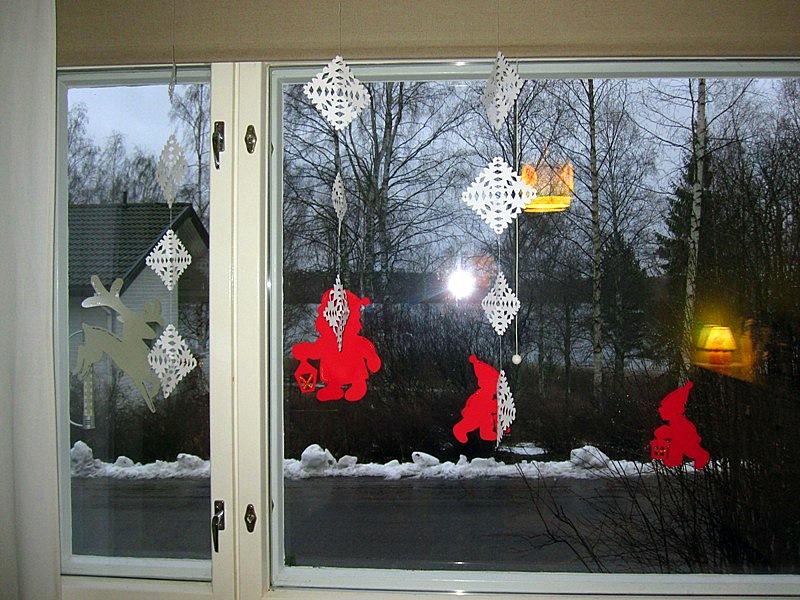 Умеете делать бумажные снежинки