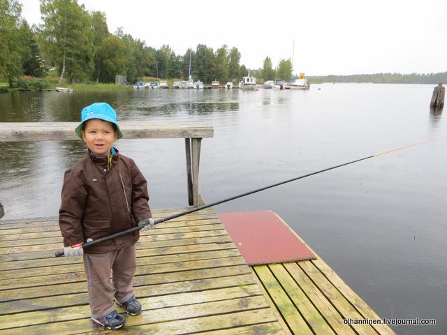 02 внук рассказывает о сегодняшней первой рыбке