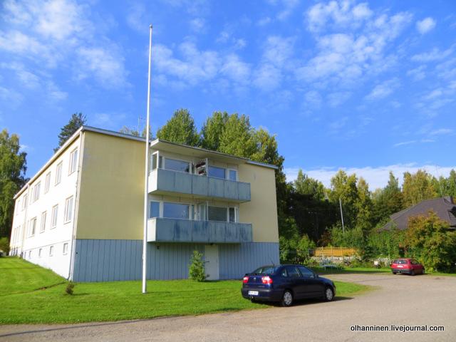 17 так балкон с цветами выглядит с улицы