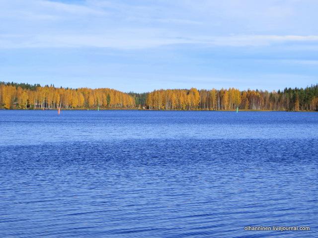 озеро на солнце
