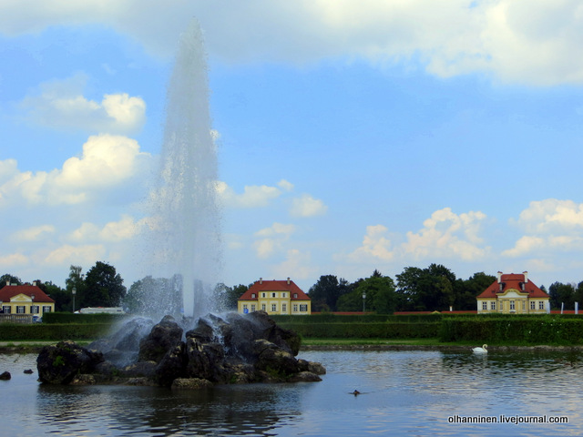 21 фонтан и лебеди