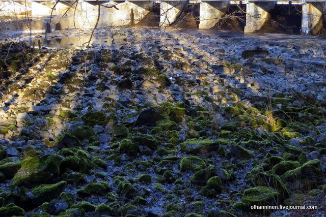 05 камни дна реки