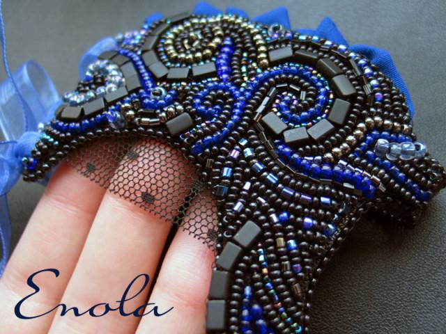 Декоративные митенки на боковой шнуровке, расшитые бисером (продеваются через большой палец и затягивается на...