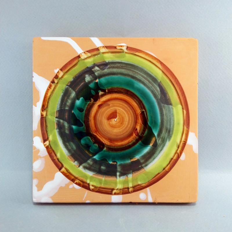 Изразец с круглым орнаментом. Клинская керамика