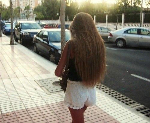 девушки с русыми волосами фото сзади