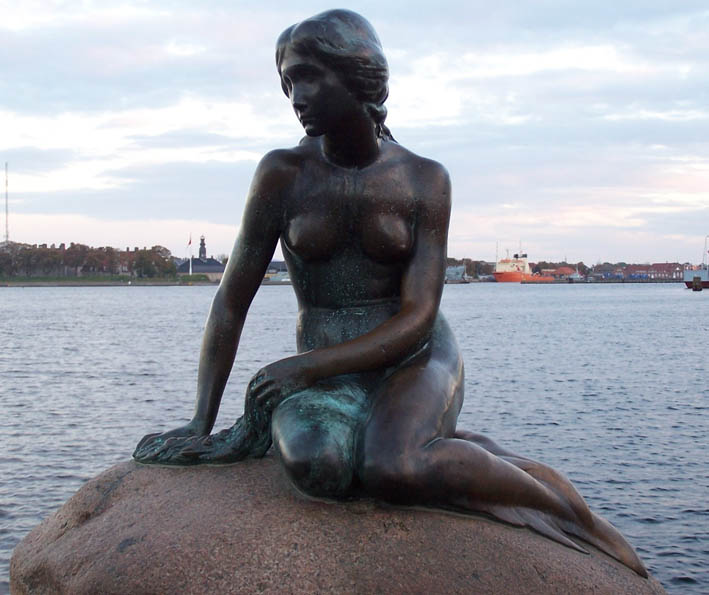 The-Little-Mermaid-Copenhagen-the-little-mermaid-andersen-2763876-1656-1242