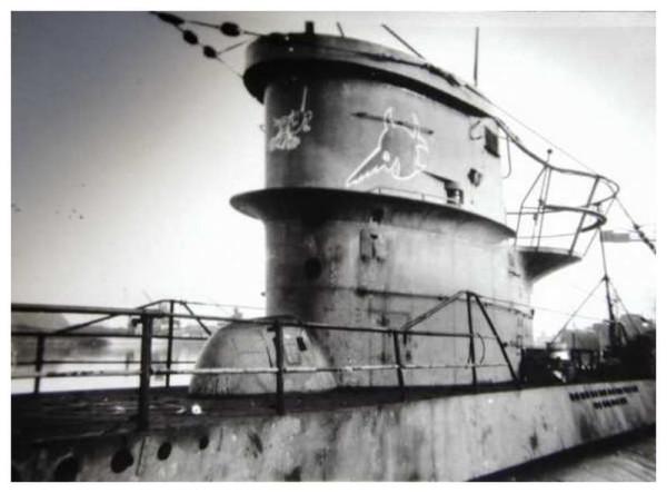 U-96-lesdeuxemblme-7U-flottilleetceluiducommandant