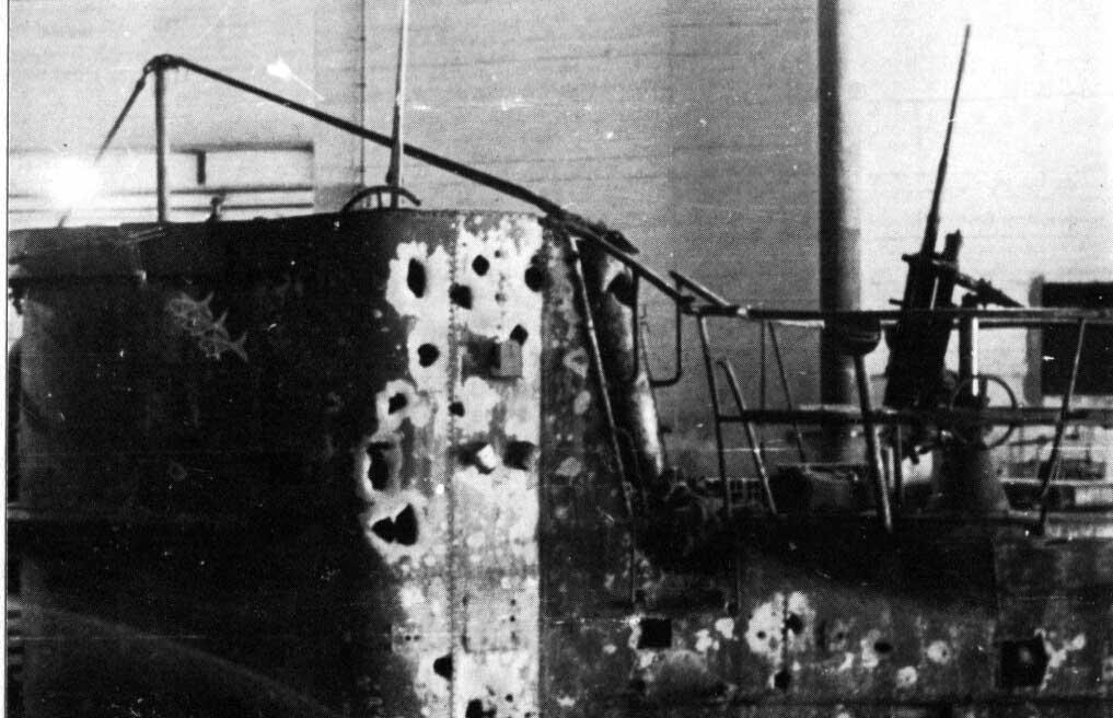U-boat-U-333-conning-tower-damage