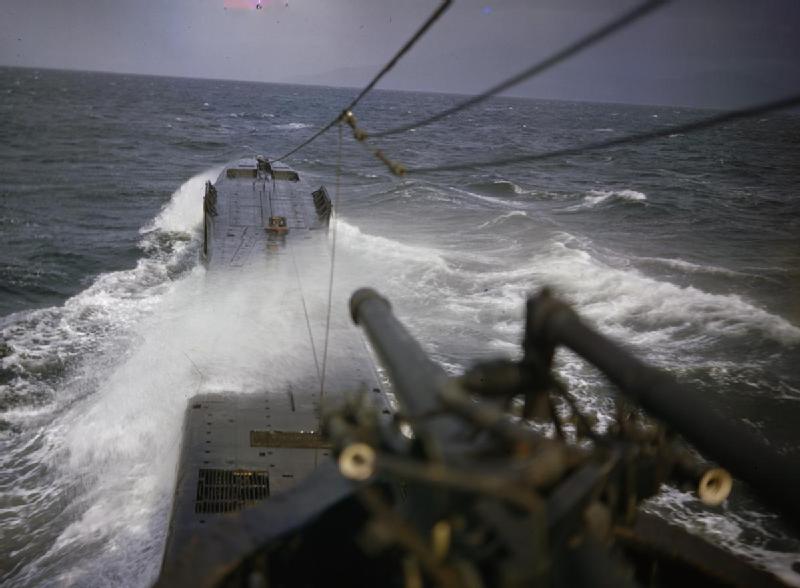 On_Board_HM_Submarine_Tribune,_1942_TR581