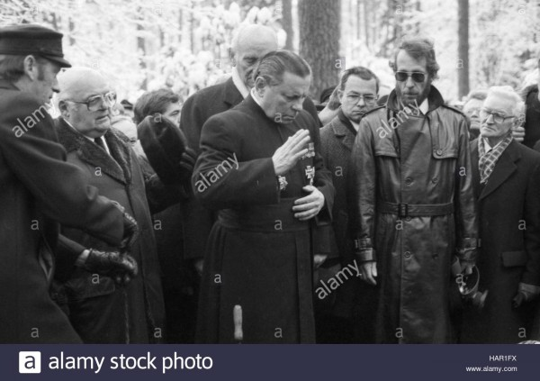 funeral-of-condemned-war-criminal-karl-doenitz-on-6-january-1981-in-HAR1FX