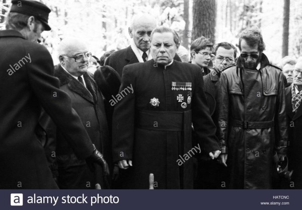 funeral-of-condemned-war-criminal-karl-doenitz-on-6-january-1981-in-HATCNC